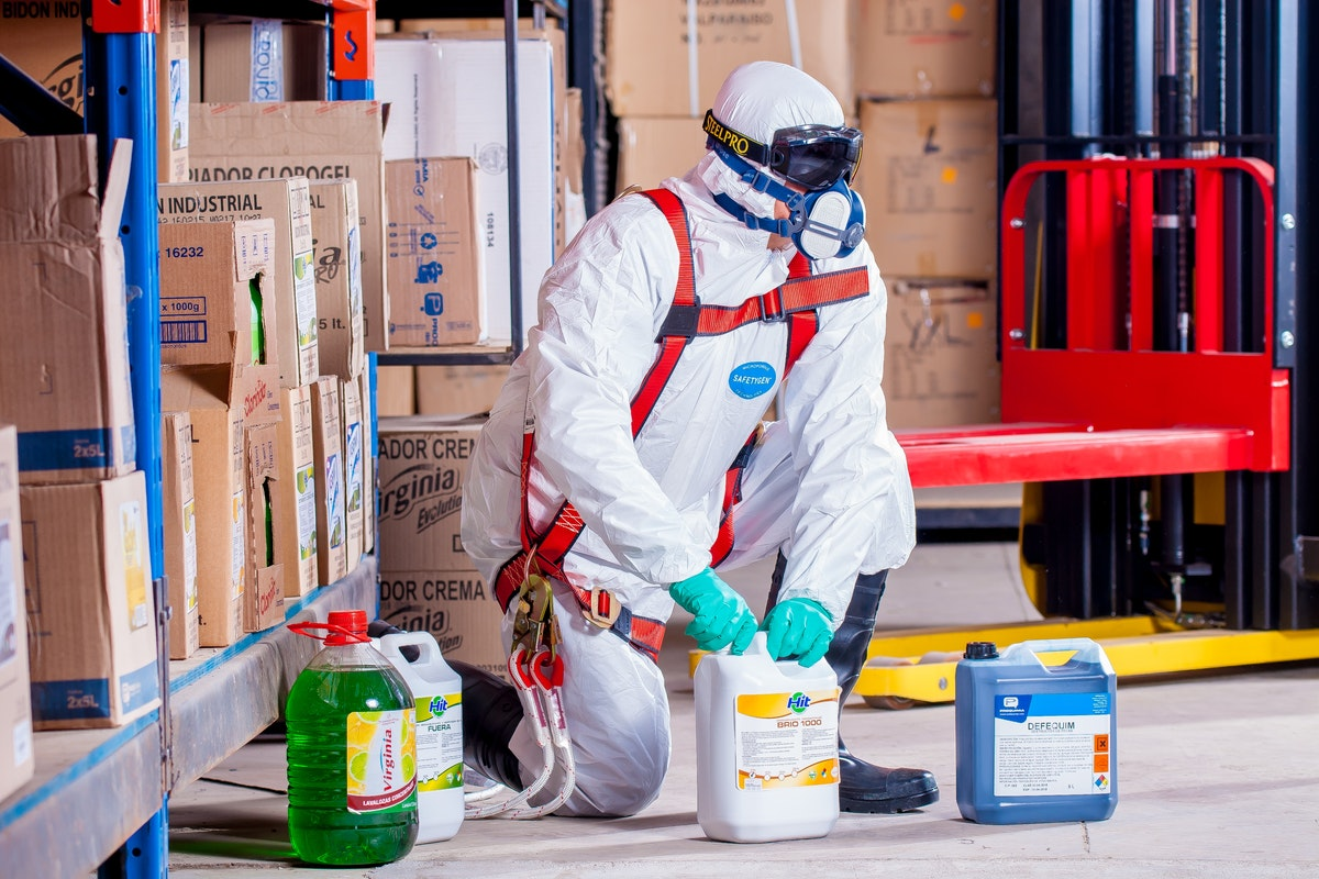 Four Reasons to Hire a Commercial Cleaning Company During the COVID-19 Pandemic